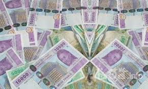Des billets de 10 000 Francs CFA. Source: www.biz.mboa.info