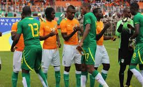Début d'une rencontre entre le Cameroun et la Cote d'ivoire © africatopsports.com