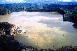 Le Lac Nyos, juste après la catastrophe  © wikipedia